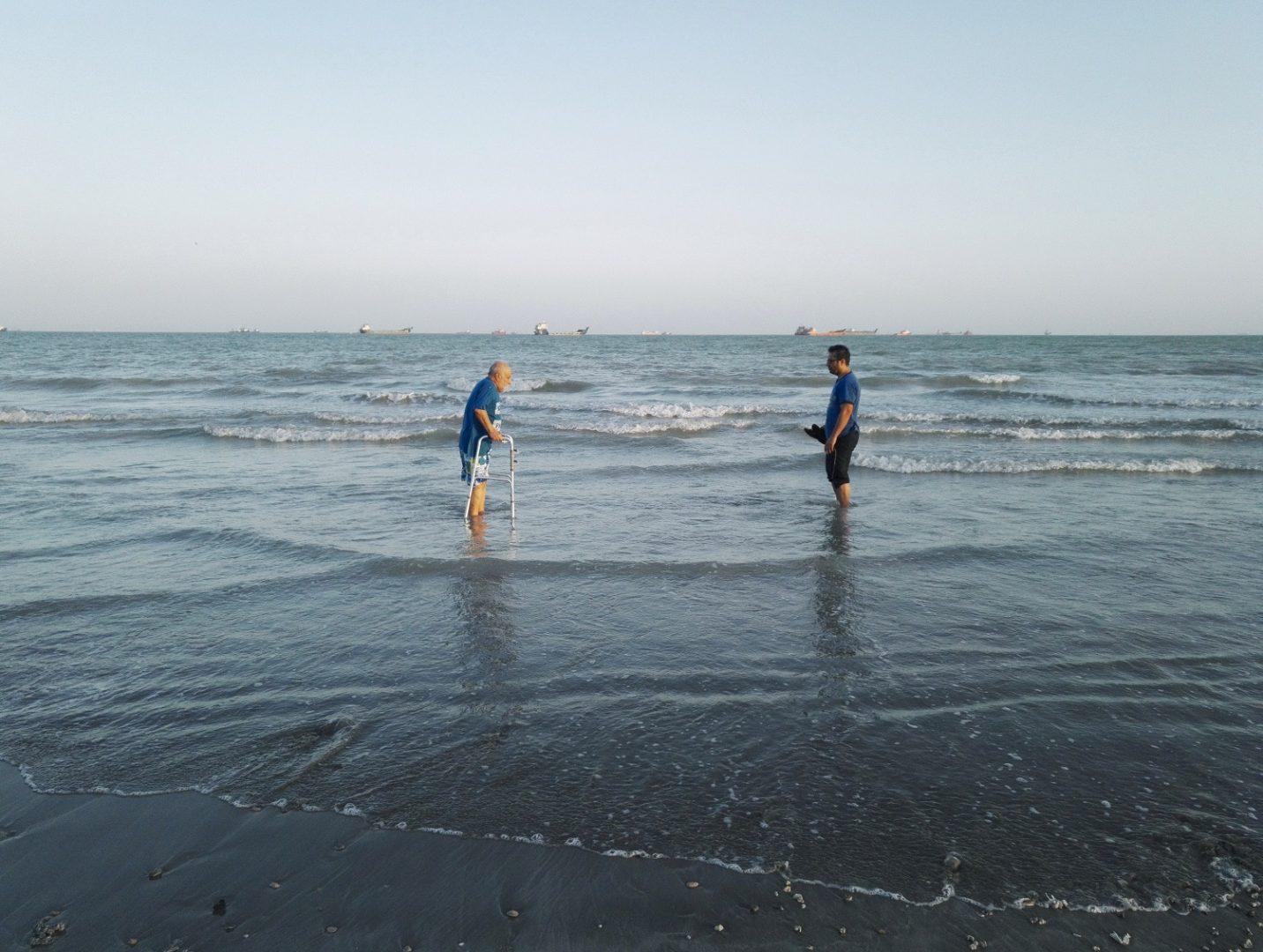 Last Beach 01